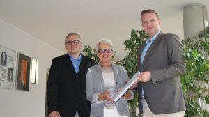 V. l. n. r.: Heiko Philippski, Bürgermeisterin Karin Reismann, Marc Weßeling